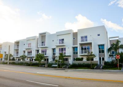 Pompano Beach Townhouse For Sale: 1323 Ocean Boulevard