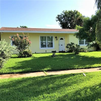 Lake Worth Single Family Home For Sale: 1414 Lee Court