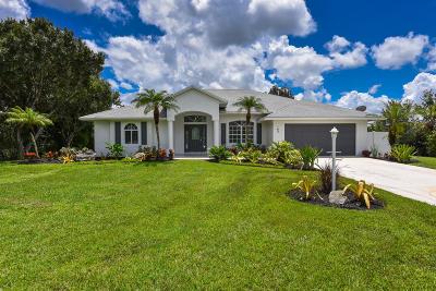 Stuart Single Family Home For Sale: 102 SE Ashley Oaks Way