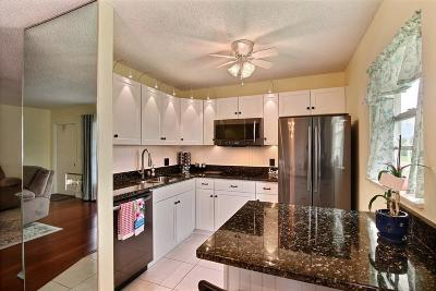 Vero Beach Condo For Sale: 41 Vista Gardens Trail