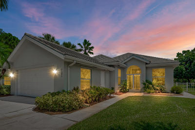 Hobe Sound Single Family Home For Sale: 7686 SE Fiddlewood Lane