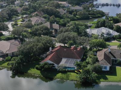 Vero Beach Single Family Home For Sale: 250 Riverway Drive