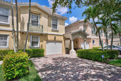 Palm Beach Gardens Townhouse For Sale: 167 Santa Barbara Way