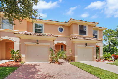 Royal Palm Beach Townhouse For Sale: 237 River Bluff Lane