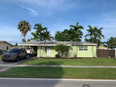 Deerfield Beach Single Family Home For Sale: 320 SE 6th Avenue SE
