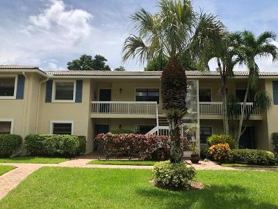 Boynton Beach Condo For Sale: 14 Westgate Lane #14f