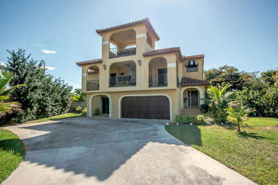 Juno Beach Single Family Home For Sale: 500 S Lyra Circle