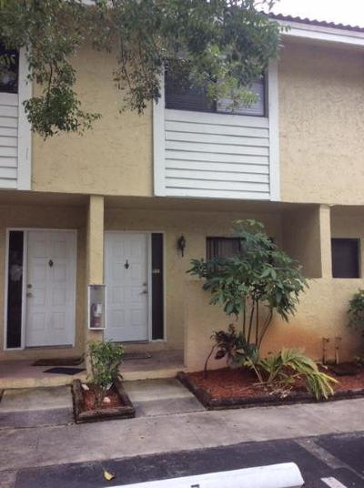 Coral Springs Townhouse For Sale: 9290 NW 40 Street