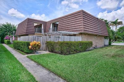 Palm Beach Gardens Townhouse Contingent: 1122 11th Lane