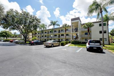 Delray Beach Condo For Sale: 15244 Lakes Of Delray Boulevard #211