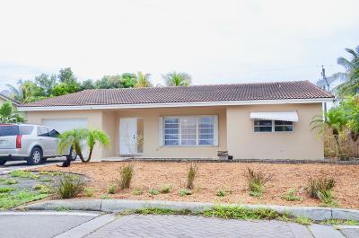 Boca Raton Single Family Home For Sale: 441 NE 25th Terrace