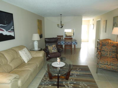 Boynton Beach Condo For Sale: 2515 NE 2nd Court #207