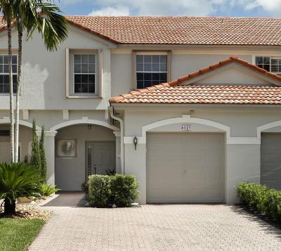 Boca Raton Townhouse For Sale: 8327 Via Leonessa