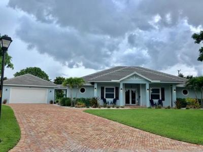 Atlantis Single Family Home For Sale: 433 Country Club Drive