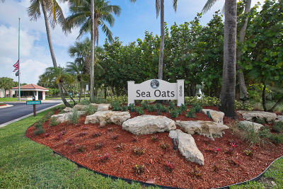 Juno Beach Condo For Sale: 103 Sea Oats Drive #F
