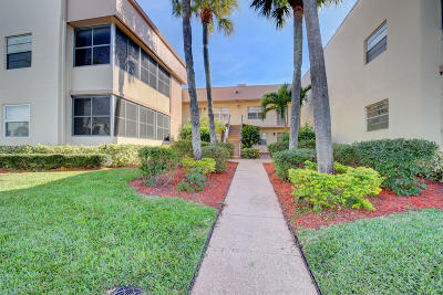 Delray Beach Condo For Sale: 374 Burgundy H