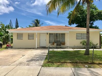 Boynton Beach Single Family Home For Sale: 1640 NW 1st Court