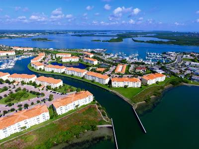 Fort Pierce Condo For Sale: 37 Harbour Isle Drive #204