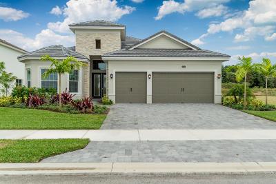 Single Family Home For Sale: 2535 NE Evinrude Circle