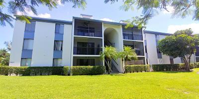 West Palm Beach Condo For Sale: 1007 Green Pine Boulevard #G3