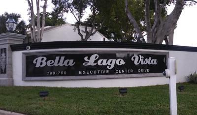 West Palm Beach Condo For Sale: 718 Executive Center Drive #35