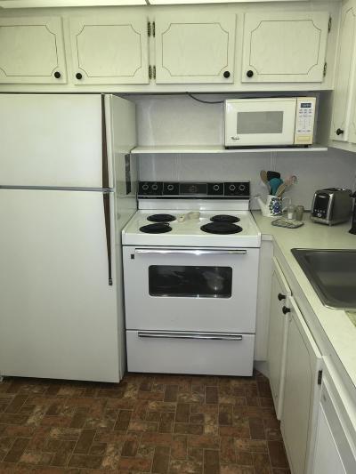 Broward County Condo For Sale: 226 Oakridge N