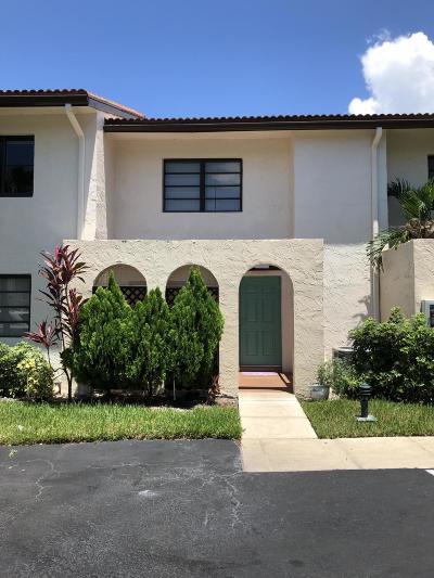 Boca Raton Townhouse For Sale: 21820 Cypress Circle #25c