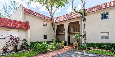 West Palm Beach Condo For Sale: 236 Lake Frances Drive