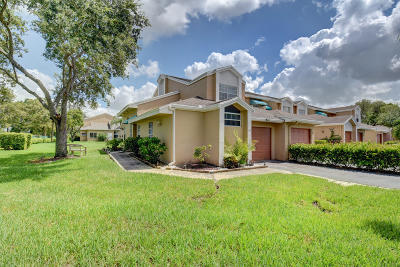Broward County Townhouse For Sale: 7047 Woodmont Way