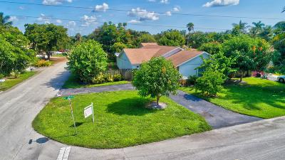Boca Raton Single Family Home For Sale: 201 NE 28th Terrace