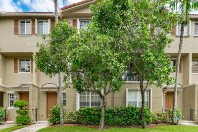 Delray Beach Townhouse For Sale: 4515 Highgate Drive