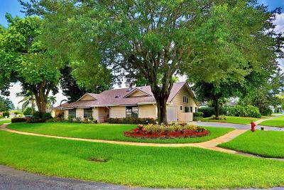 Wellington Single Family Home For Sale: 1009 Cherry Lane