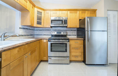 Whisper Walk, Whisper Walk Eastgate, Whisper Walk Parklane, Whisper Walk Parkshore, Whisper Walk Sec C Condo, Whisper Walk Sec E Condo Single Family Home For Sale: 8955 Windtree Street #C