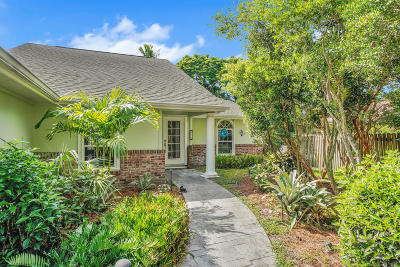 Jupiter Single Family Home For Sale: 812 Summerwood Drive
