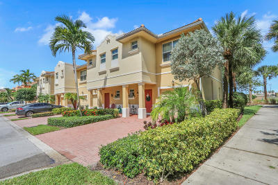 Boynton Beach Townhouse For Sale: 1720 Via Sofia