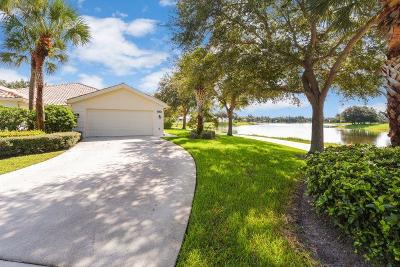 West Palm Beach Single Family Home For Sale: 7601 Pine Island Way