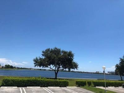 West Palm Beach Condo For Sale: 470 Executive Center Drive #1-A