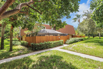 Jupiter Townhouse For Sale: 2425 24th Court