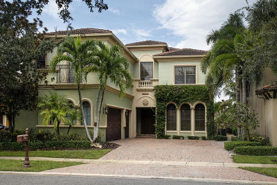 Boca Raton Single Family Home For Sale: 17760 Villa Club Way