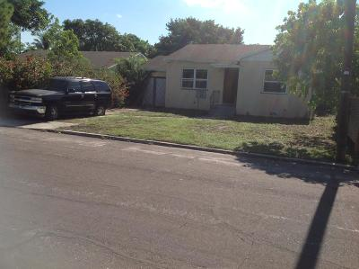 Lake Worth Single Family Home For Sale: 820 D Street
