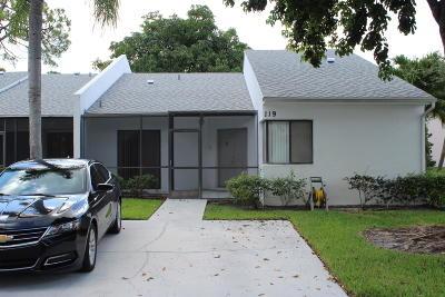 Royal Palm Beach Single Family Home For Sale: 119 Sunshine Boulevard