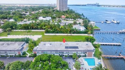 West Palm Beach Condo For Sale: 4700 Flagler Drive #208