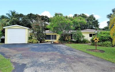 Sewalls Point Single Family Home For Sale: 2 Palmetto Drive