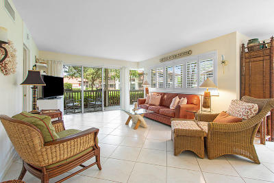 Palm Beach Gardens Condo For Sale: 561 Brackenwood Place