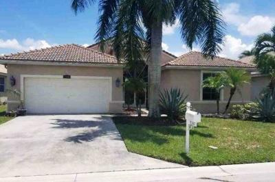 Boynton Beach Single Family Home For Auction: 9260 Cove Point Circle