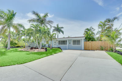 Palm Beach County Single Family Home For Sale: 346 SW 8th Avenue