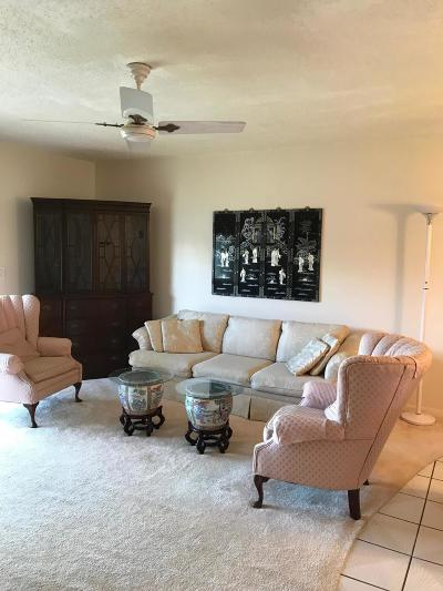 West Palm Beach Condo For Sale: 215 Oxford 200