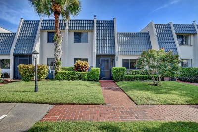 Palm Beach County Townhouse For Sale: 4486 Fountains Drive #4486