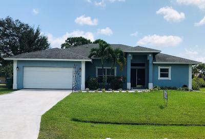 Port Saint Lucie Single Family Home For Sale: 246 SW Starfish Avenue