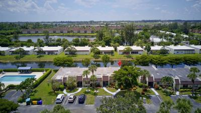 West Palm Beach Single Family Home For Sale: 130 Lake Rebecca Drive